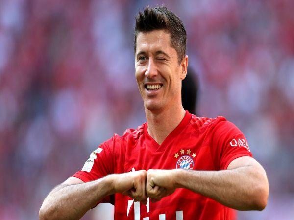 Tin bóng đá chiều 24/11: Lewandowski bỏ ngỏ khả năng ở lại Bayern