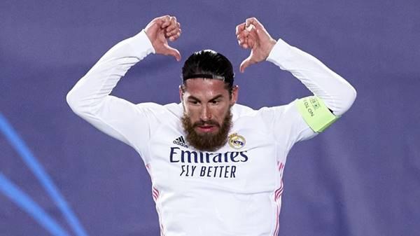 Sergio Ramos quyết định giảm lương để ở lại Real Madrid
