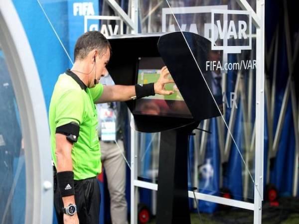 Bóng đá VN tối 2/7: VFF sẽ mượn công nghệ VAR từ AFC