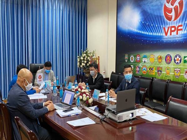 Bóng đá VN trưa 1/7: VPF tổ chức họp trực tuyến với các CLB