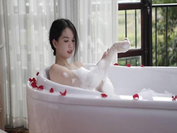 Mơ thấy tắm bồn